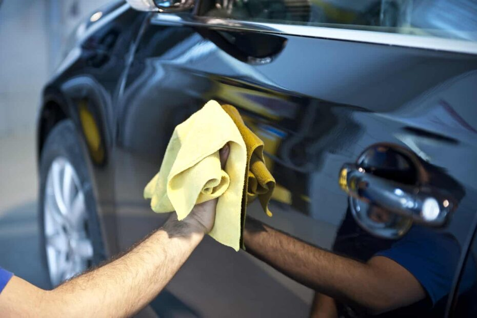 How-to-keep-your-cars-exterior-pristine-930×620